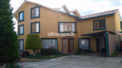 Casa en Venta en La Paz Cota Cota calle retamas esquina calle 28 de cota cota la paz