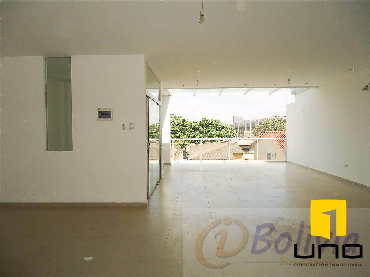 Casa en Venta Av. Banzer 3ro anillo externo Foto 3