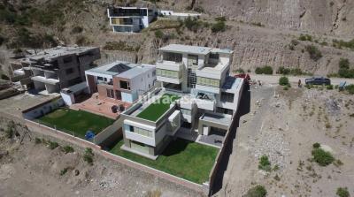 Casa en Venta en La Paz La Florida Urbanización La Escondida