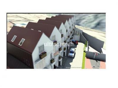 Casa en Venta en La Paz Mallasa Av. principal de Jupapina en la primera curva