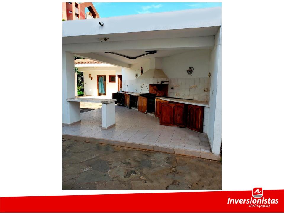 Casa en Venta Av. Ejercito Nacional frente al estadio Tahuichi Aguilera Foto 16