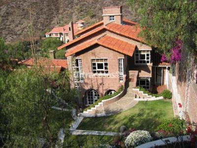 Casa en Venta en Cochabamba Muyurina Barrio Irlandés, calle Los Molles 144, detrás del Cristo de La Concordia