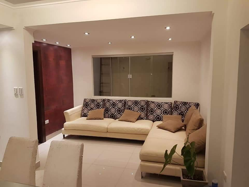 Casa en Venta AV. PIRAI ENTRE 4TO Y 5TO ANILLO Foto 2