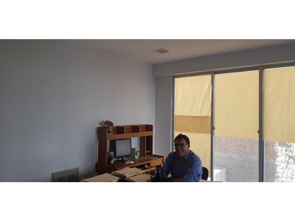 Oficina en Venta COMODA OFICINA (INMEDIACIONES PLAZA COLON) $30.000 Foto 1