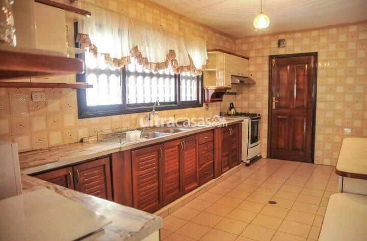 Casa en Venta BARRIO URBARI  Foto 3