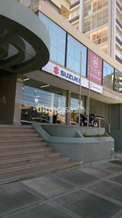 Local comercial en Alquiler en La Paz Obrajes Obrajes calle 8 sobre avenida Hernando Siles, edificio Loyola II.