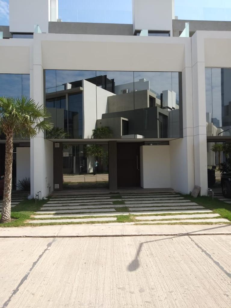 Casa en Alquiler Condominio costanera blu resideces Foto 1