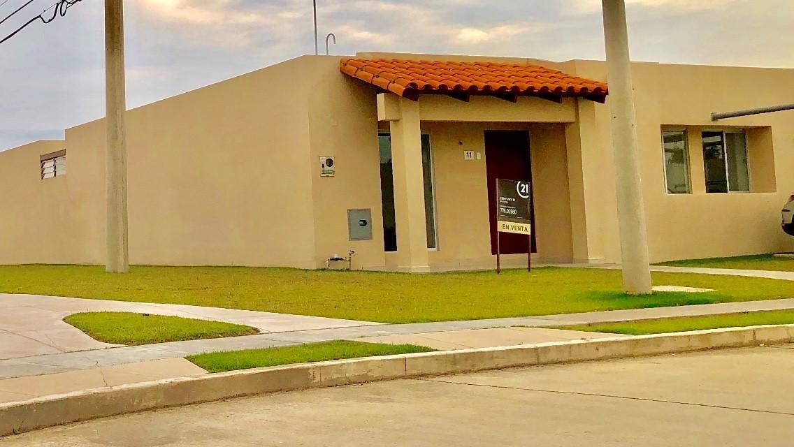 Casa en Venta ZONA NORTE COND.SEVILLA LOS JARDINES CASA EN VENTA EN ESQUINA Foto 1