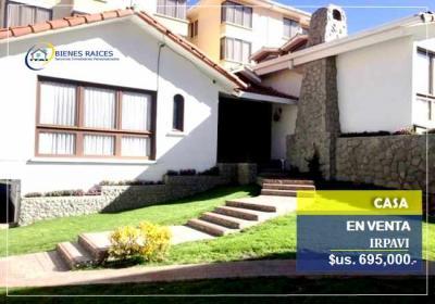 Casa en Venta en La Paz Irpavi CASA EN VENTA – Zona Irpavi.