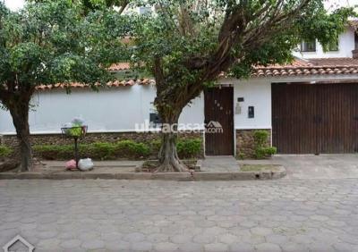 Casa en Venta en Santa Cruz de la Sierra 4to Anillo Oeste Barrio Sirari