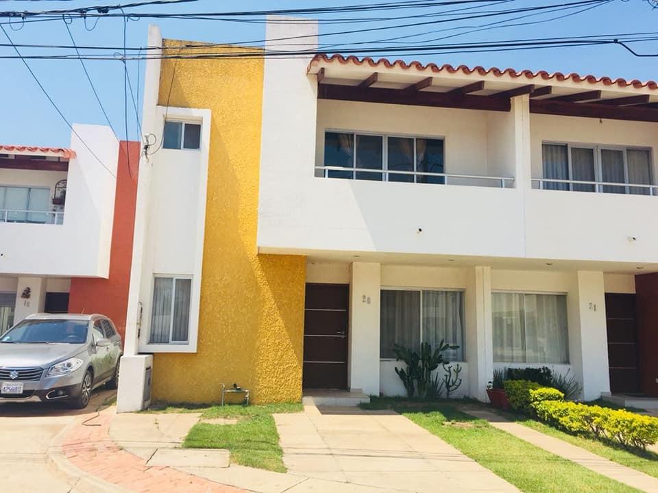 Casa en Venta AV. BANZER EL REMANSO Foto 1