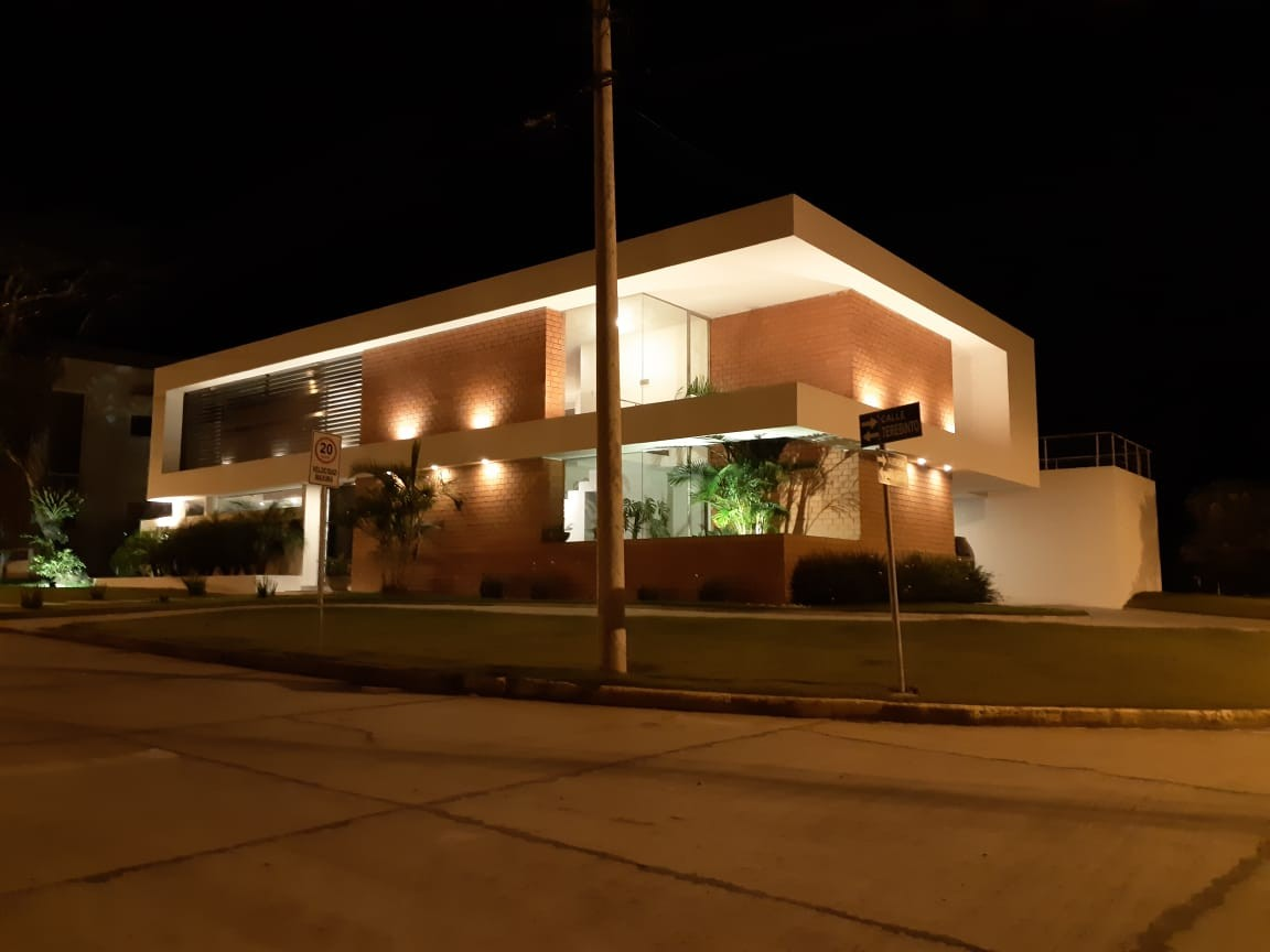 Casa en Alquiler Urubo Condominio Rio Sierra Foto 1