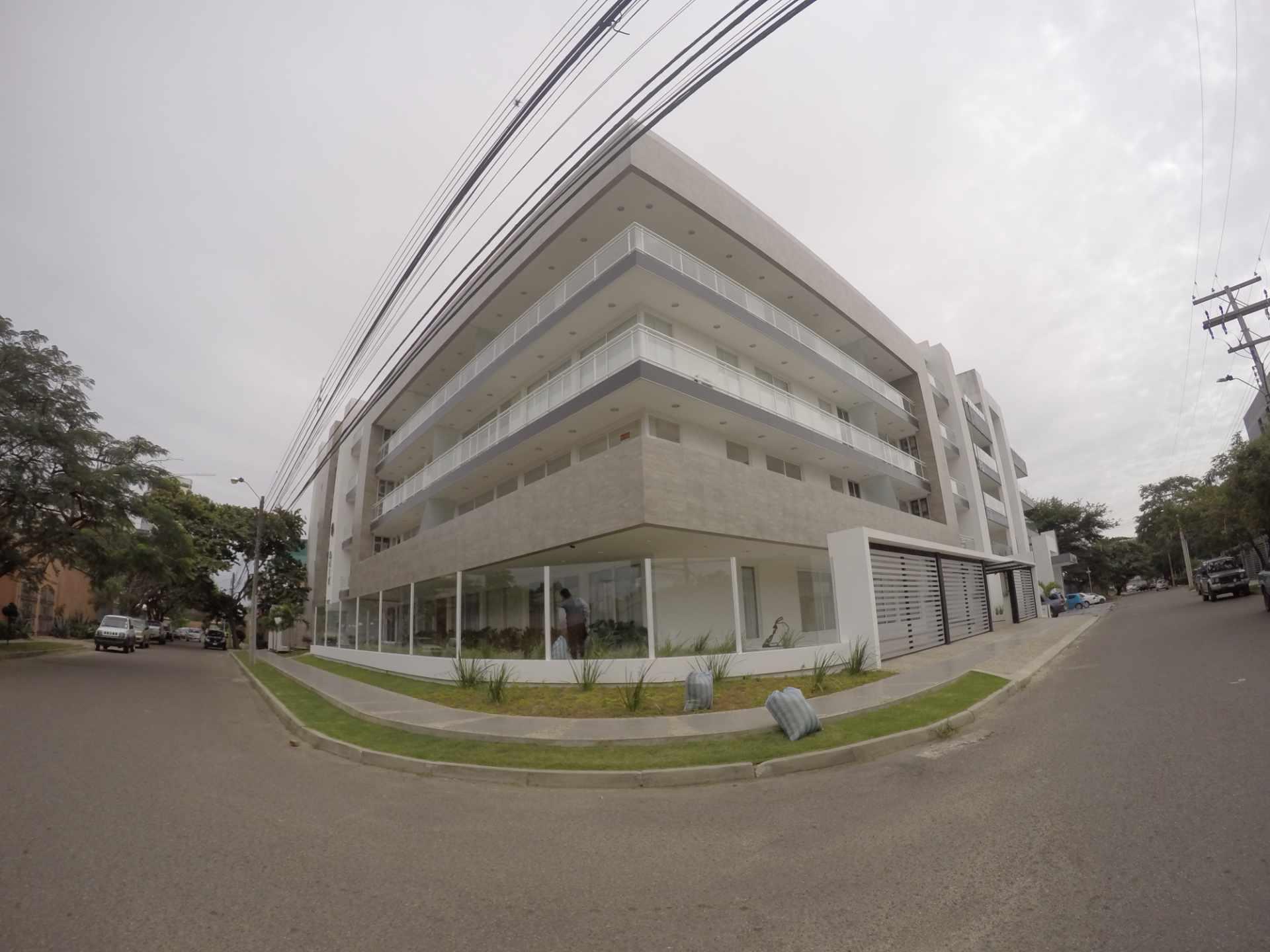 Departamento en Alquiler Condominio Onix [Equipetrol Norte], Departamento monoambiente full amoblado de lujo en alquiler, con parqueo techado. [600$us., expensas incluidas] Foto 1