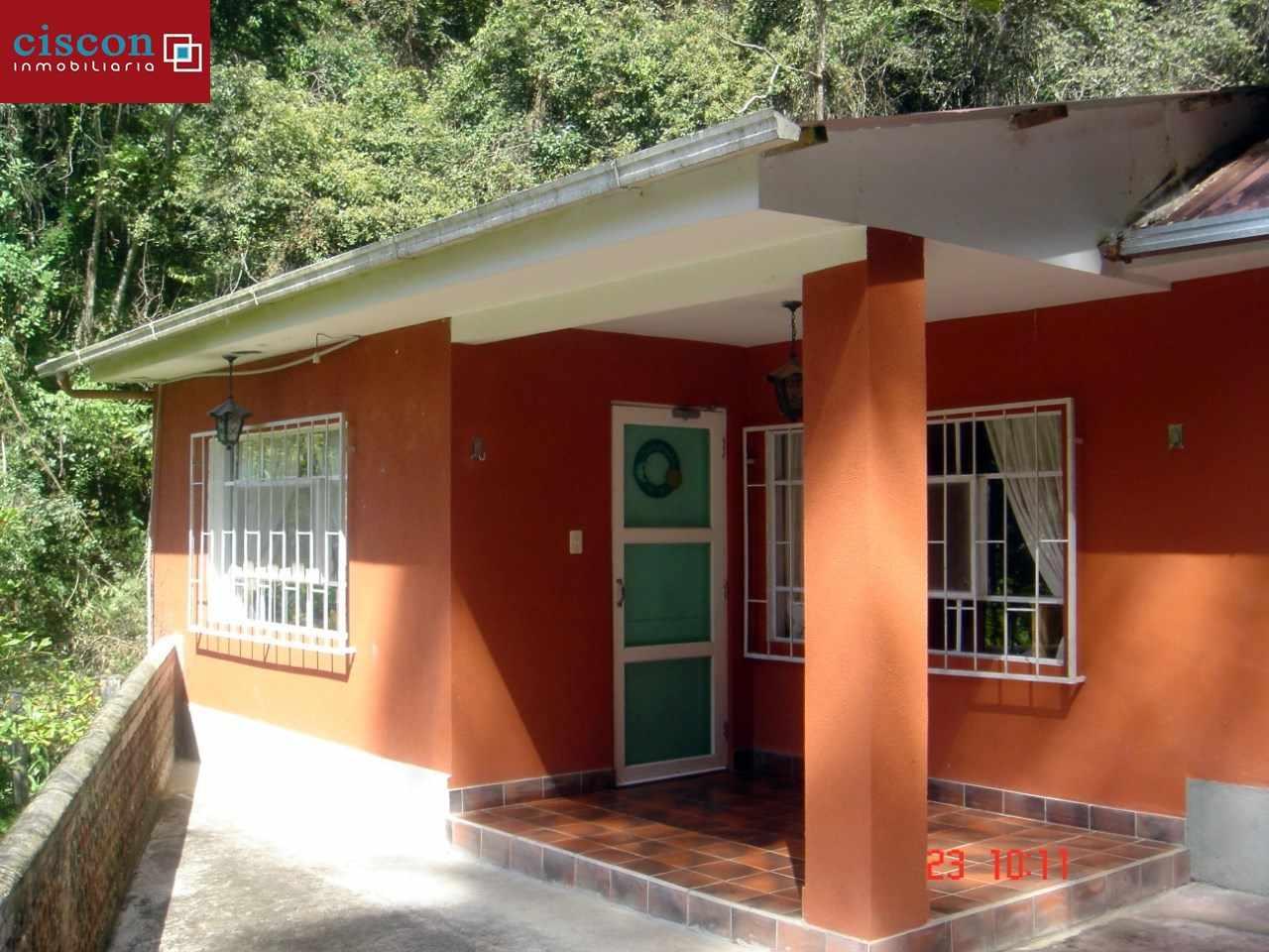 Casa en Venta Chulumani, a 15 minutos del pueblo. Foto 1