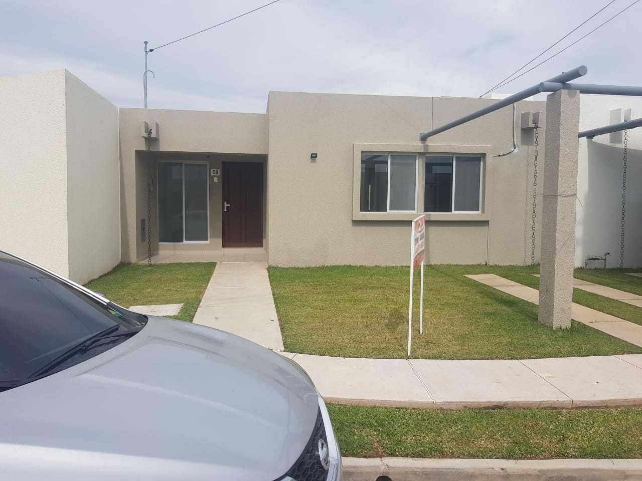 Inmobiliaria ofrece en alquiler casa en condominio for Alquiler de casas en marinaleda sevilla