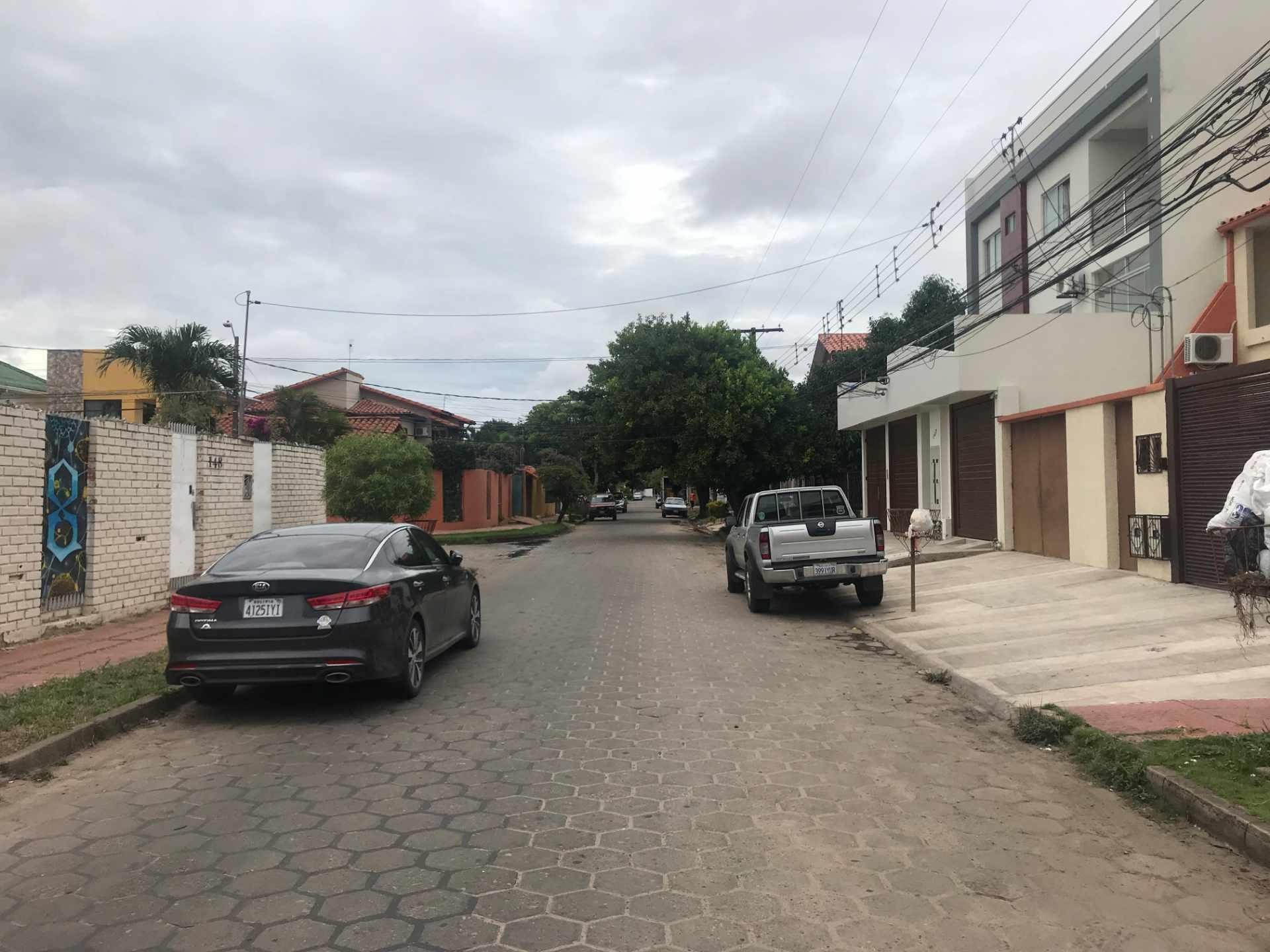 Casa en Venta Zona Sur de la Ciudad, Barrio Ramafa frente al Colegio Militar de Aviación. Foto 7