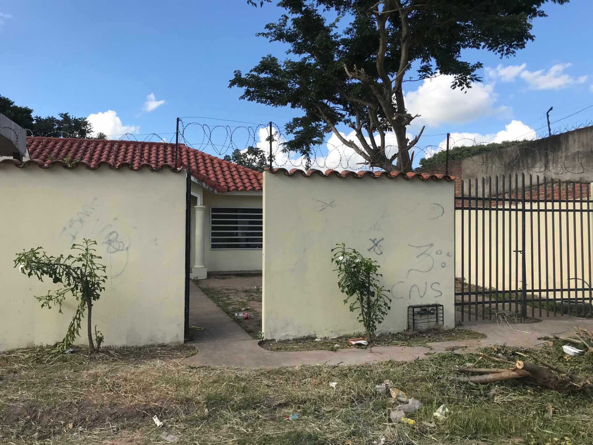 Casa en Venta AV. BANZER 8vo ANILLO, ZONA EL REMANSO III Foto 1