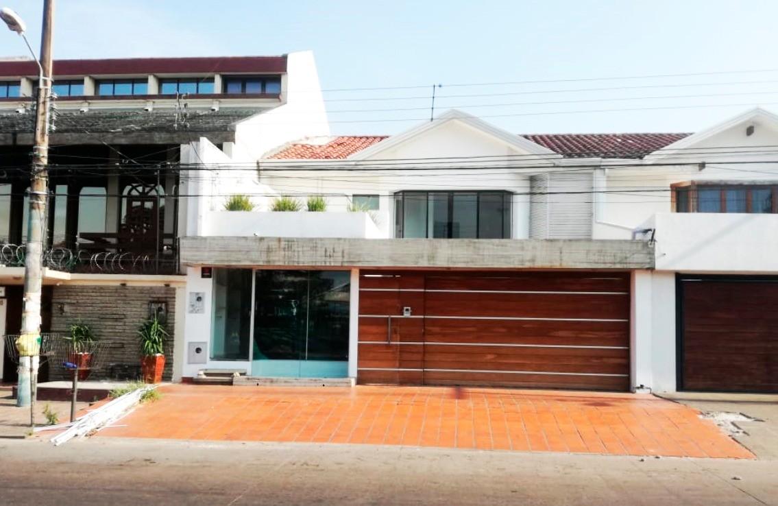 Casa en Alquiler 3er anillo entre canal isuto y san martin Foto 1