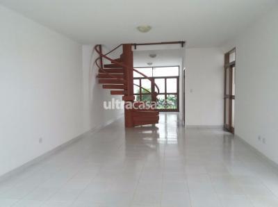 Casa en Venta en Santa Cruz de la Sierra 4to Anillo Sur LINDA CASA DE 2 PLANTAS EN VENTA RADIAL 13  Y 4TO. ANILLO