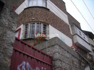 Casa en Venta Av. Ecuador 2074 Foto 1