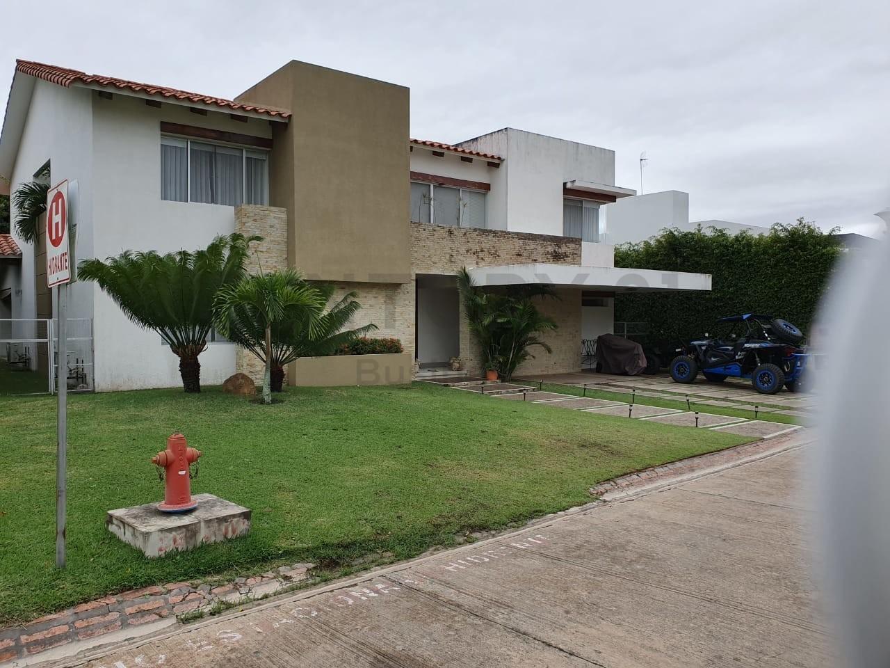 Casa en Alquiler Colinas del Urubo 1 Foto 1