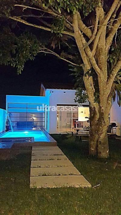 Casa en Venta en Santa Cruz de la Sierra Urubó Urubo urb. Parques