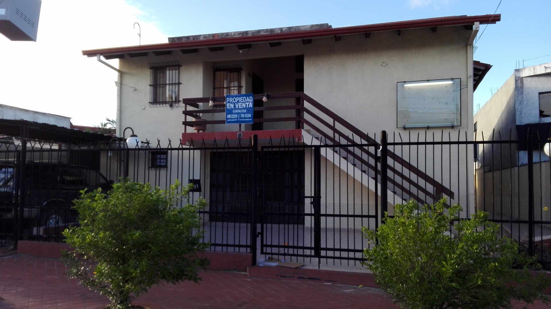 Casa en Venta Calle 5, a media cuadra de la Av. San Aurelio, entre segundo y tercer anillo Foto 2