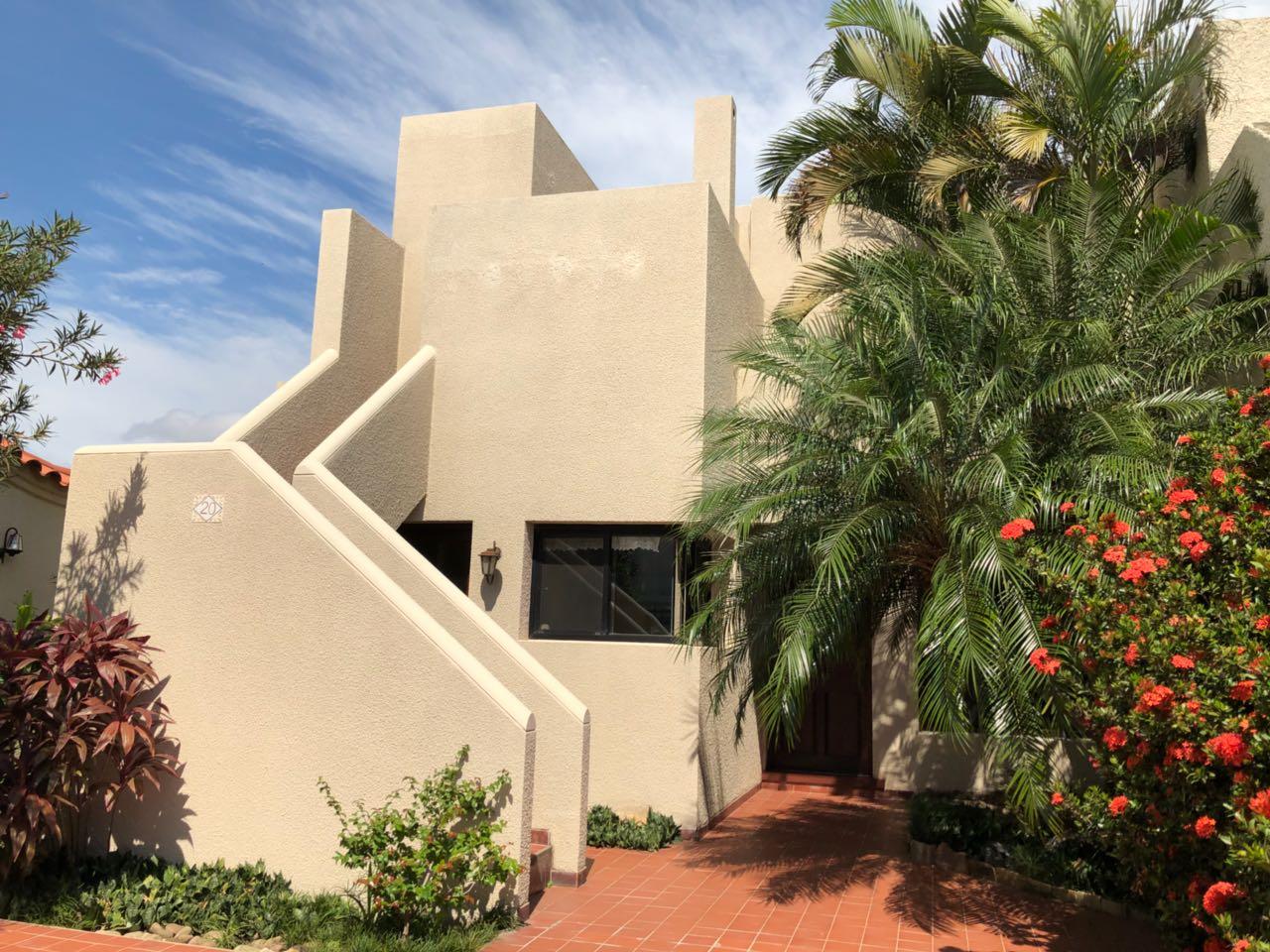 Casa en Alquiler CASA EN ALQUILER, URBANIZACIÓN LA HACIENDA I, ENTRE AV. BENI Y BANZER 5TO ANILLO Foto 17