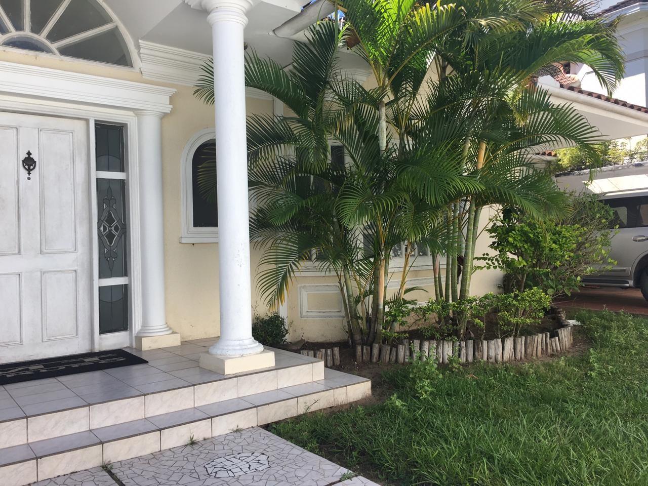 Casa en Alquiler EQUIPETROL SIRARI  CALLE LOS PINOS  Foto 1