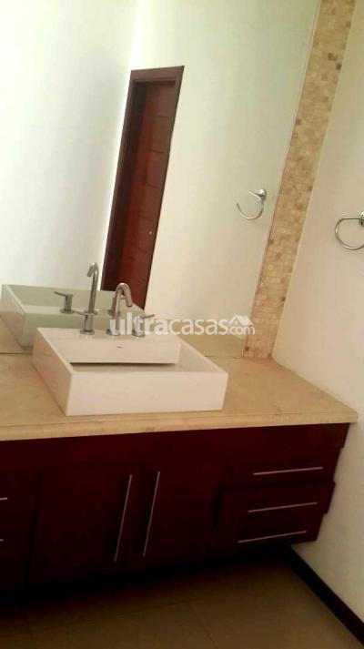 Casa en Alquiler en Santa Cruz de la Sierra 4to Anillo Sur Entre cuarto anillo y Pirai