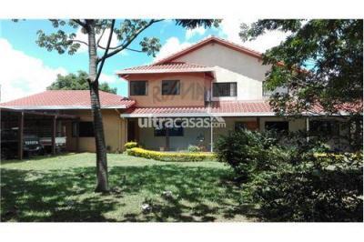 Casa en Venta en Santa Cruz de la Sierra 5to Anillo Sur Av.Moscu