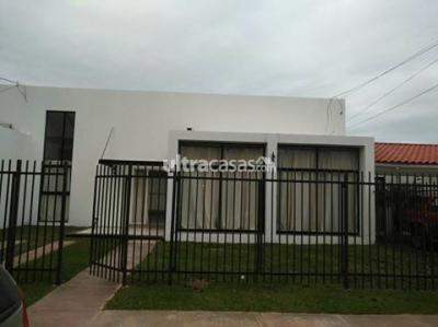 Casa en Alquiler en Santa Cruz de la Sierra 8vo Anillo Norte Bienes Raices Fenix alquila Bonita Casa Zona Norte