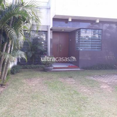 Casa en Venta en Santa Cruz de la Sierra 5to Anillo Norte Zona Norte