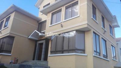 Casa en Alquiler en La Paz Achumani CASA EN ALQUILER $us.1.000.-  ACHUMANI