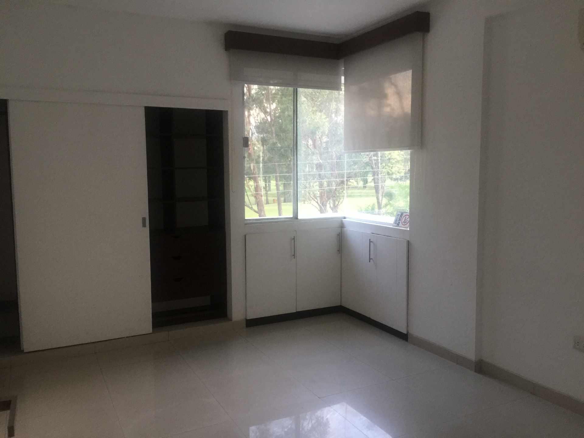 Departamento en Alquiler Calle Yaguarú, Condominio Las Palmas Residence Foto 3