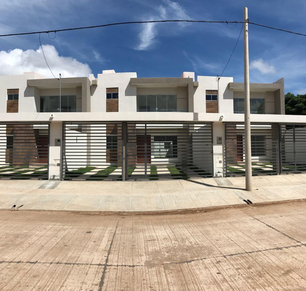 Casa en Venta CASA A ESTRENAR DE 2 PLANTAS SOBRE 8º Y 9º ANILLO EN LA AVENIDA BENI ZONA NORTE DETRÁS DEL CLUB BLOMING. Foto 1