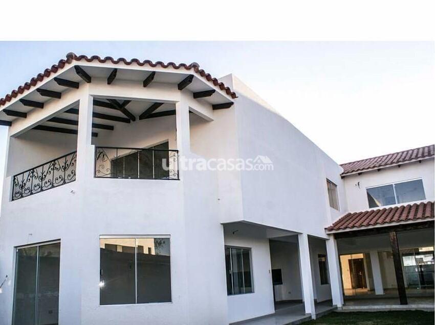 Casa en Venta Av. Banzer km 9 sobre av. condominio Barcelo seguridad 24 horas, club house, piscinas, churrasqueras, parques infantiles y canchas deportivas. Foto 7