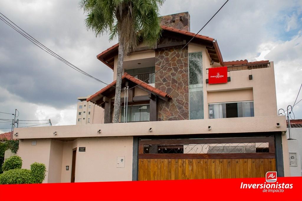 Casa en Venta Zona del Parque Urbano. Barrio Chóferes, Calle Teniente Aponte # 167 Foto 1