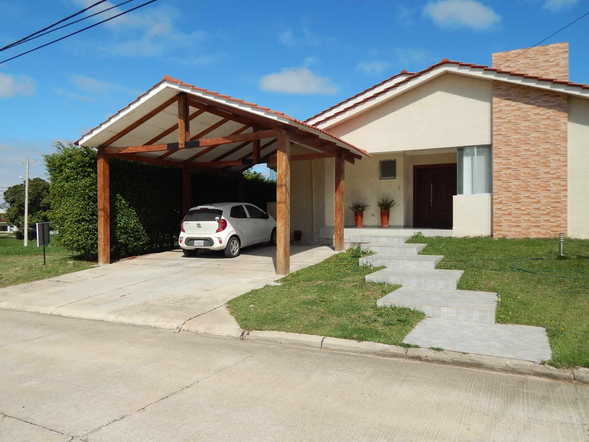 Casa en Alquiler Casa con piscina propia  en alquiler en el Urubo  Foto 1