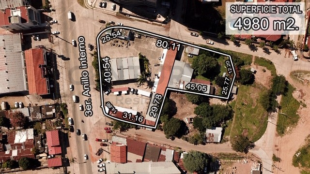 Terreno en Venta Sobre 3er. anillo interno entre avenida Banzer y Beni. Foto 1