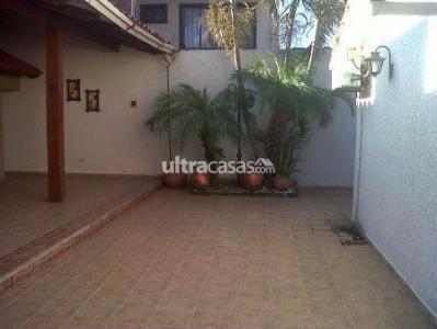 Casa en Alquiler PARAGUA ENTRE 2DO Y 3ER ANILLO Foto 5