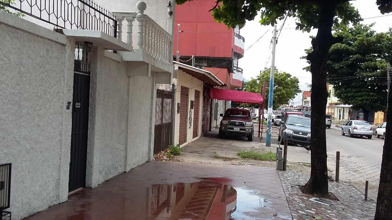 Casa en Venta Av. Prefecto rivas # 411 Foto 2