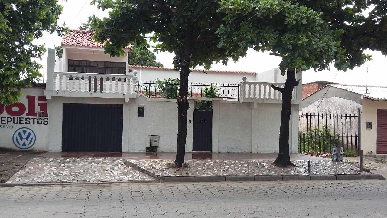 Casa en Venta Av. Prefecto rivas # 411 Foto 1