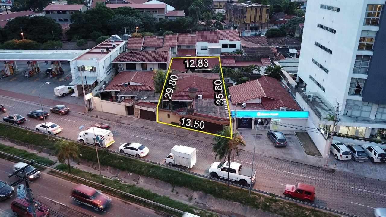 Casa en Venta Avenida Beni casi 2do Anillo  Foto 1
