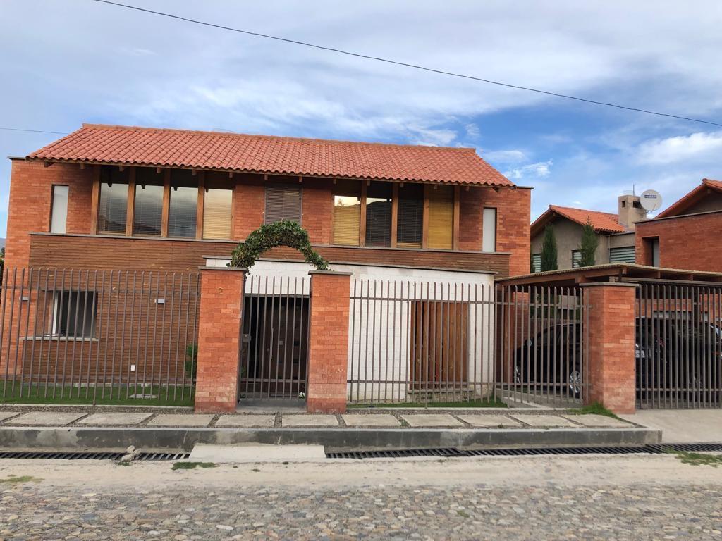 Casa en Alquiler Urbanización Isla Verde - Lado Club de Golf Foto 1