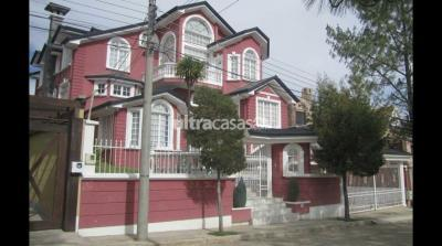 Casa en Venta en La Paz Calacoto Urbanización San Alberto calle 1 Nro.8 Zona Bella Vista