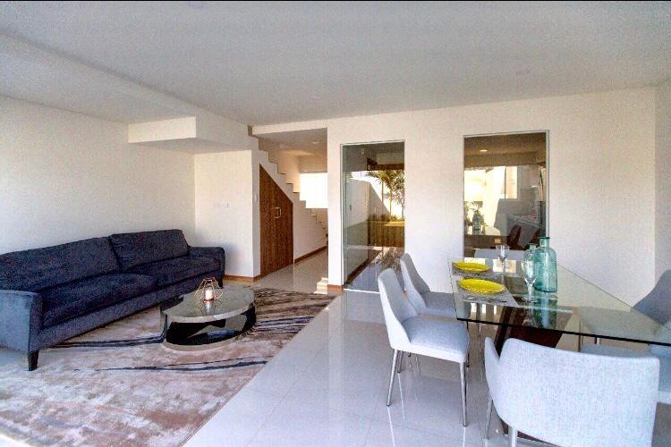 Casa en Alquiler Condominio Las Palmas del Oeste II, Av. Piraí entre 6to y 7mo anillo Foto 1