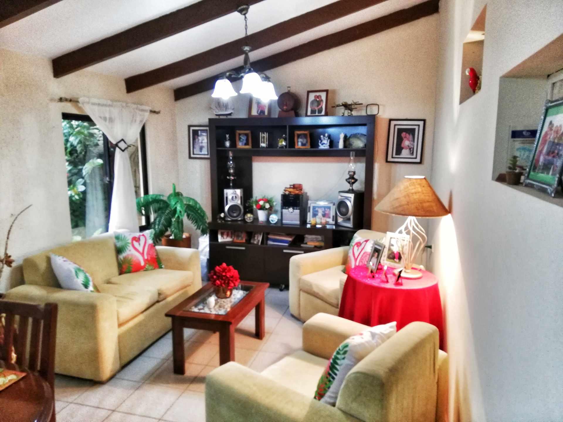 Casa en Venta HERMOSA CASA EN VENTA EN ZONA NORTE Foto 1