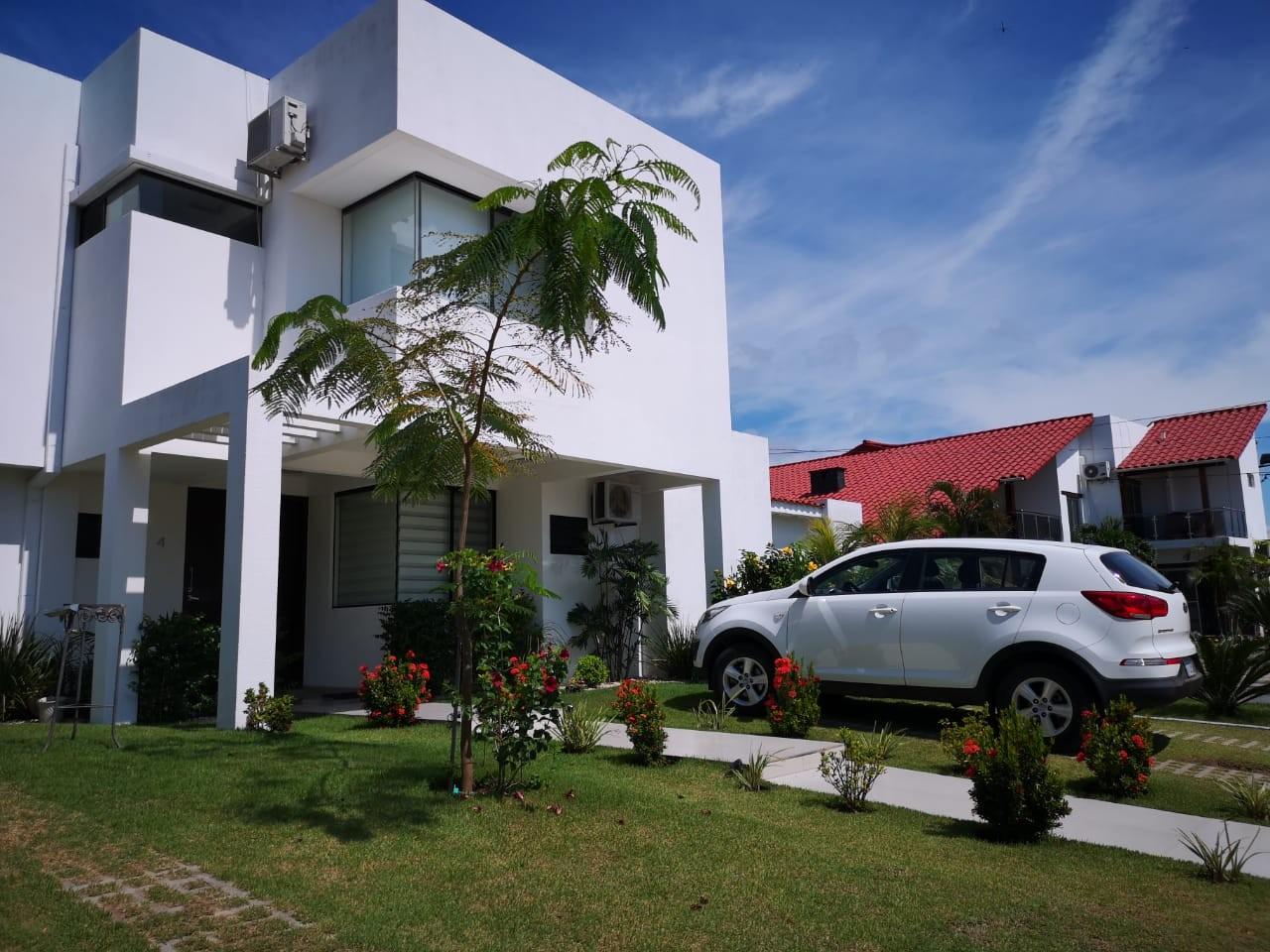 Casa en Venta KM 9 AL NORTE CONDOMINIO BARCELO Foto 1