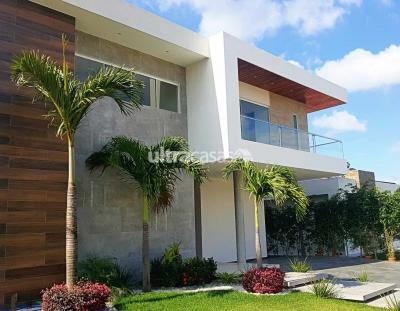 Casa en Venta en Santa Cruz de la Sierra Urubó Urubó